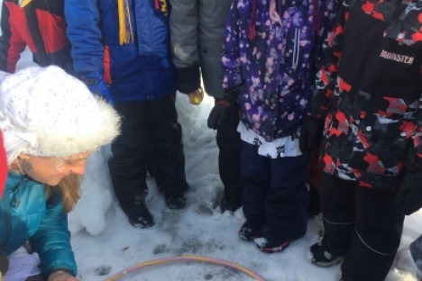 Students at Robson Community learn about animal tracks.