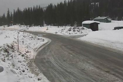 Environment Canada is calling for between 10-15 cms for Kootenay Pass Saturday. — DriveBC photo