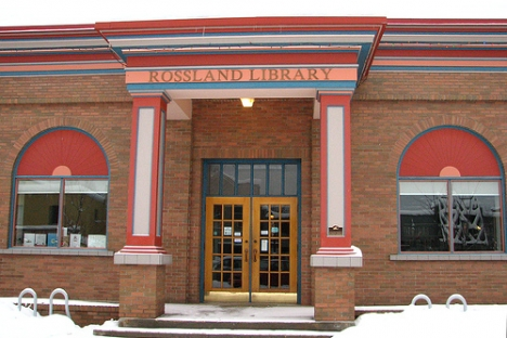 The gloves are off as Rossland Reads 2012 kicks off
