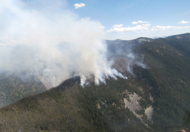 BC Wildfire Service criticized for fighting fire with fire